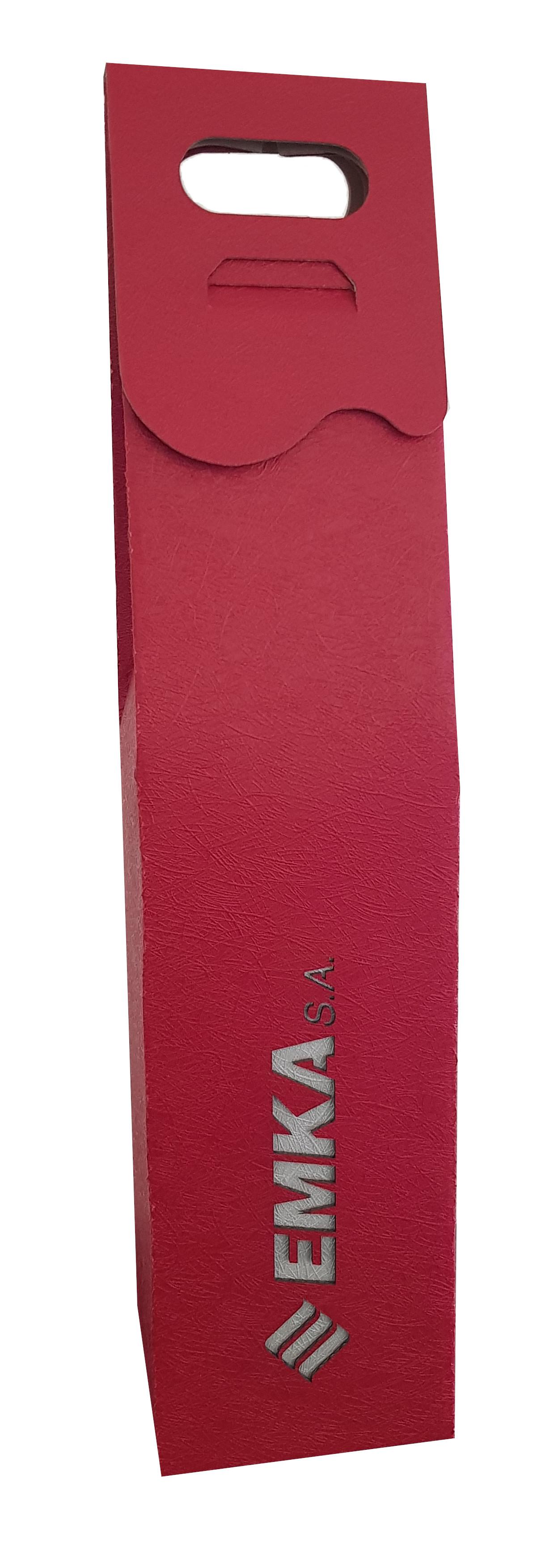 Czerwone kartonowe pudełko na wino